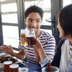 beer-guy-and-girl